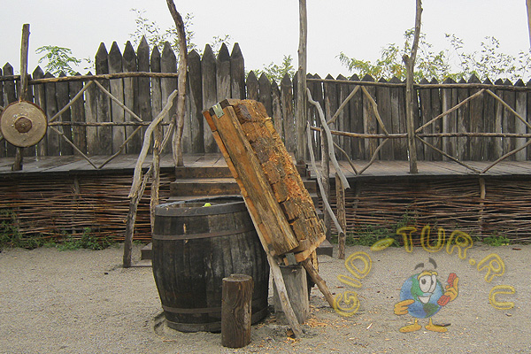 Восстановленная запорожская сечь. Музей казачества