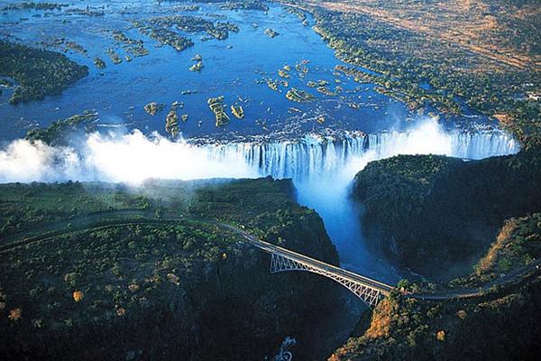 Замбия/Зимбабве, водопад Виктория